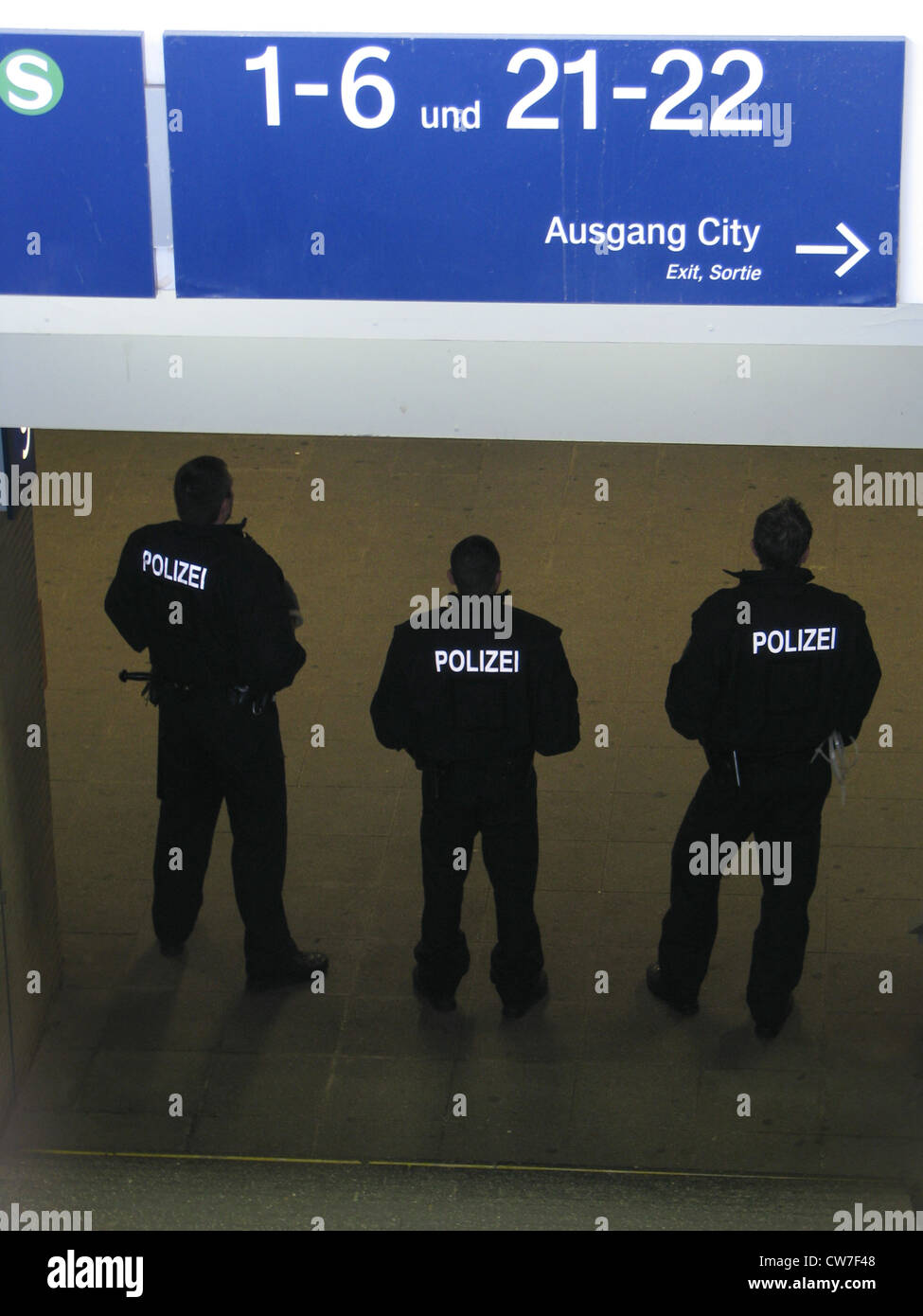 german riot police stockfotos german riot police bilder alamy. Black Bedroom Furniture Sets. Home Design Ideas