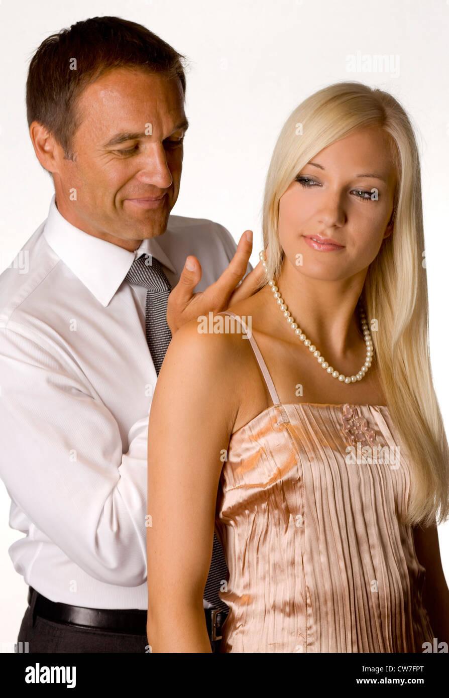 Jüngeres Mädchen älterer Mann Dating-Seiten