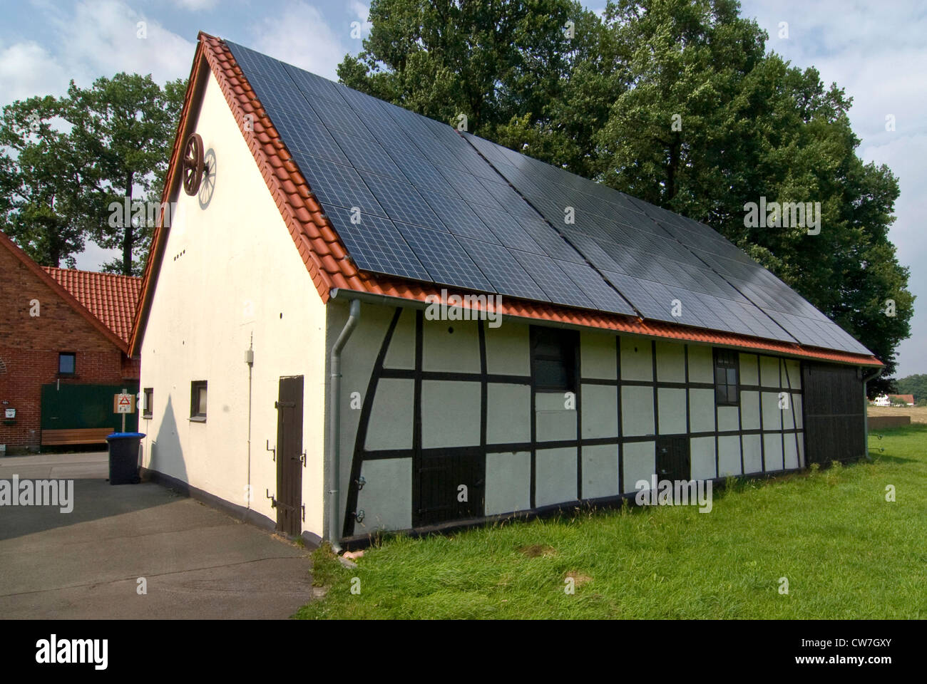 timber roof stockfotos timber roof bilder alamy. Black Bedroom Furniture Sets. Home Design Ideas