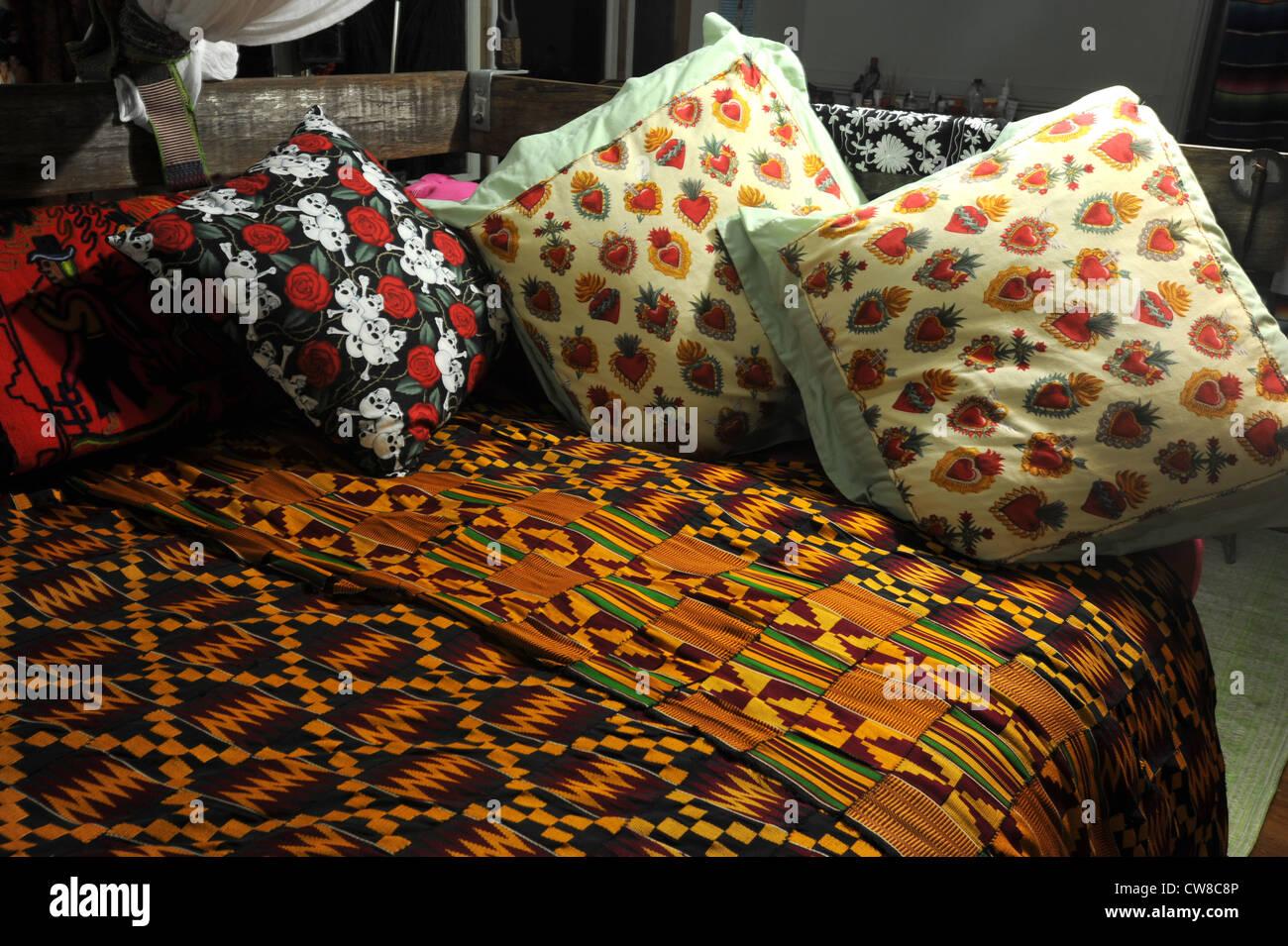 Stilvolle Textilien Fur Schlafzimmer Dekoration Stockfotografie Alamy