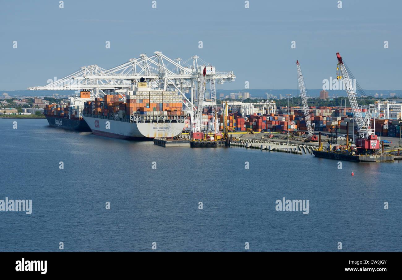 Containerschiffe, Bayonne, New Jersey Stockbild