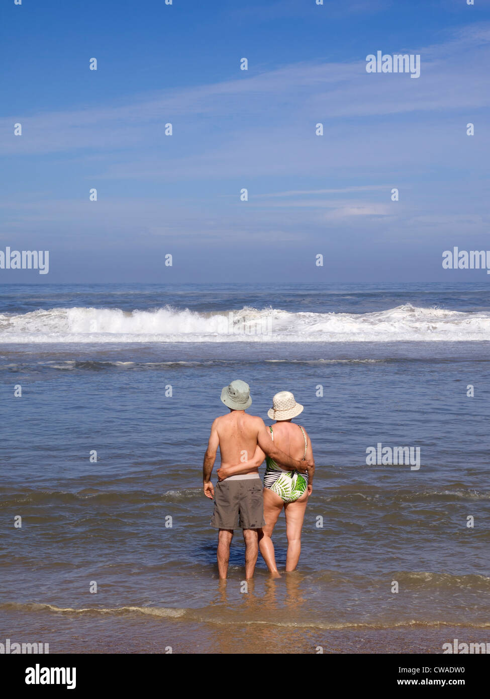Älteres Paar am Strand Stockbild