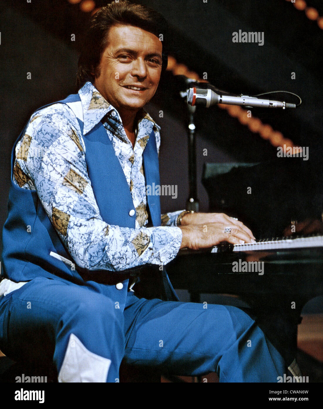 Country-Sänger Mickey Gilley. ca. 1978. Höflichkeit: CSU Archive/Everett Collection Stockbild