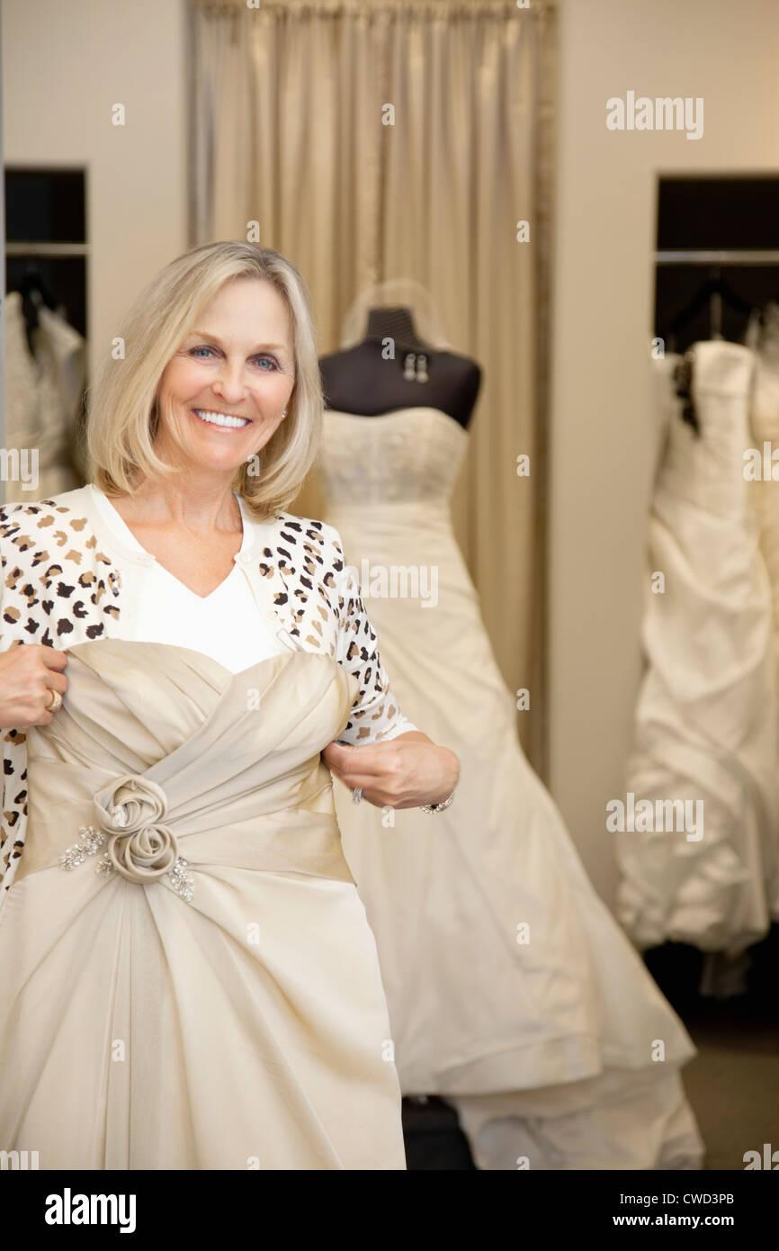 Mannequin Gown Stockfotos & Mannequin Gown Bilder - Seite 2 - Alamy