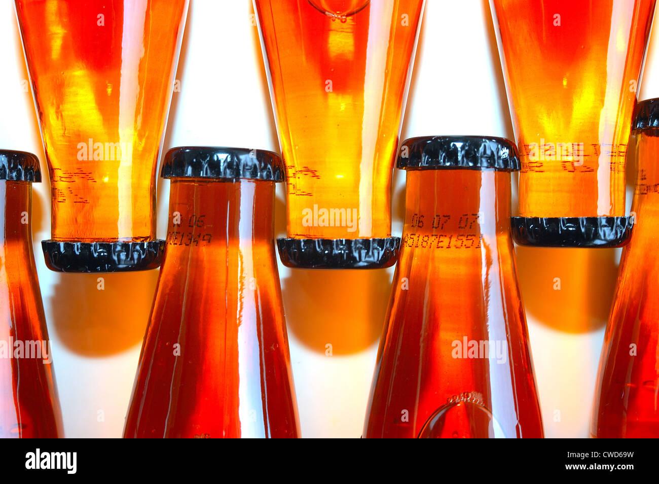 Farben, Formen, Kronenkorken, Flasche Stockbild