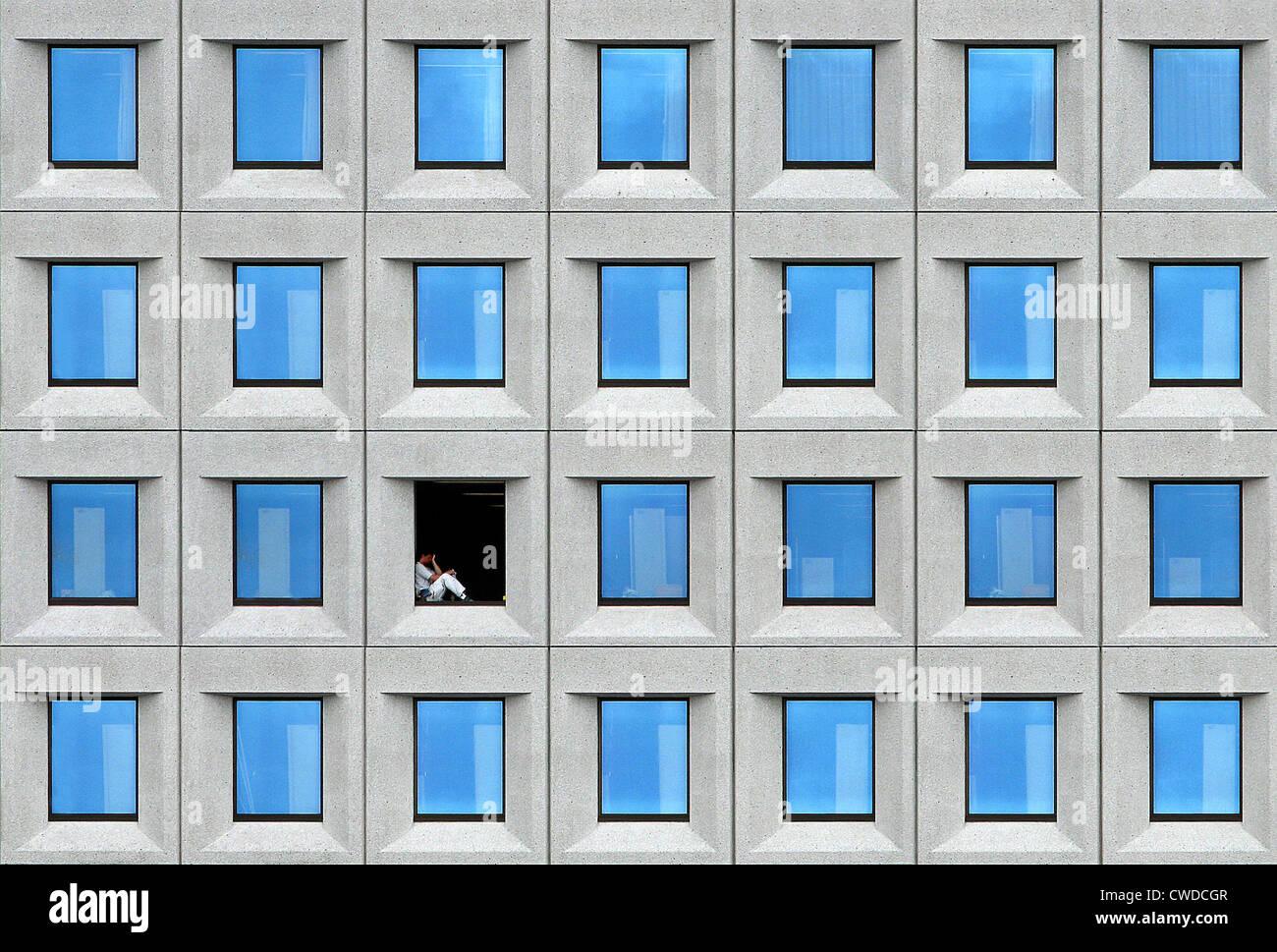 Architektur, Einsamkeit, Einsamkeit, Entspannung, Erholung, Fenster, Mittagspause Stockbild