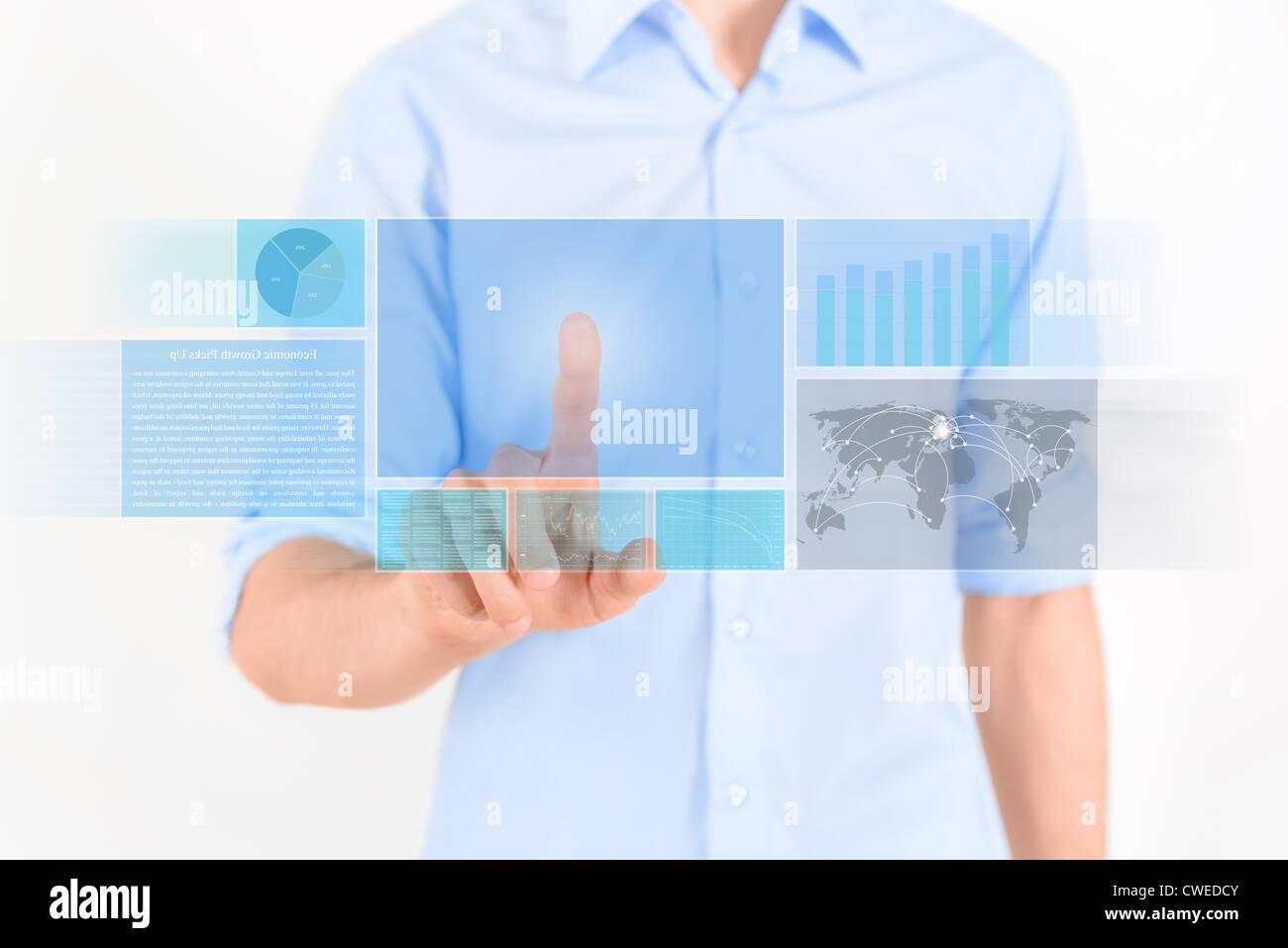Mann berühren futuristische Touchscreen-Interface mit Grafik, Charts und Nachrichten. Isoliert auf weiss. Stockbild