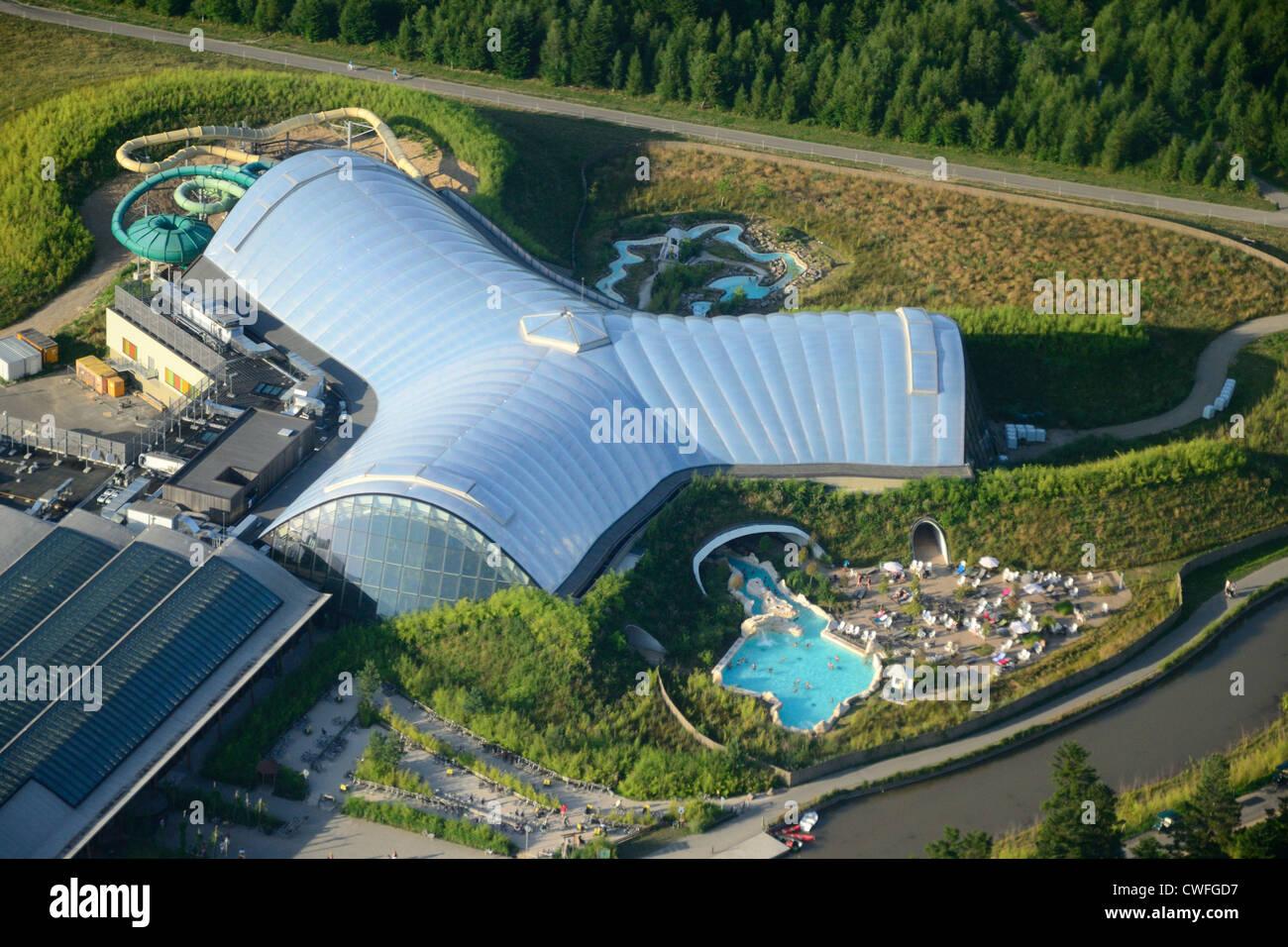 Luftaufnahme des trois forets ferienpark von center parcs for Piscine center parc moselle