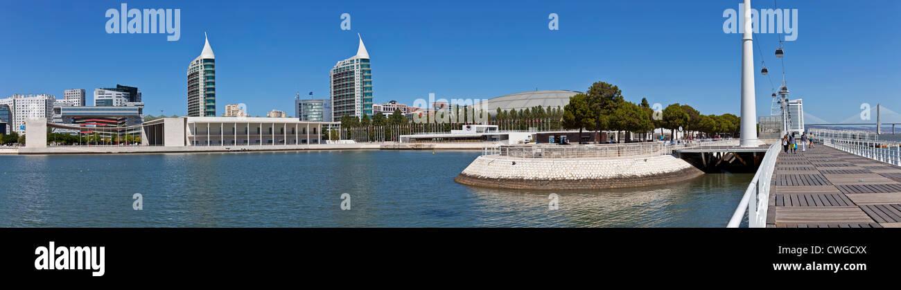 Portugiesisch und Atlantico Pavillons, Sao Gabriel / Sao Rafael Türme, Olivais Dock. Park der Nationen, Lissabon, Stockbild