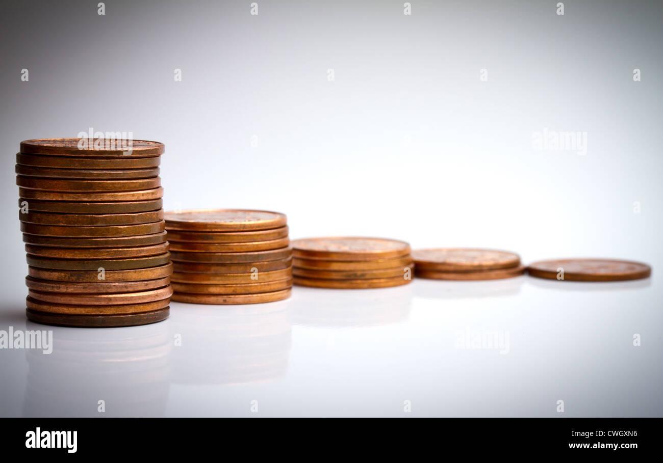 Münze Pfähle für Zinsen und Zinseszinsen Konzept Stockbild