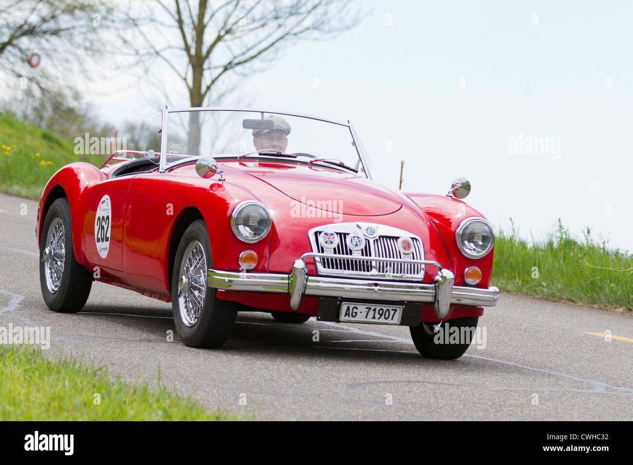 Oldtimer MG MGA 1600 von 1959 beim Grand Prix in Mutschellen, SUI am 29. April 2012. Stockbild