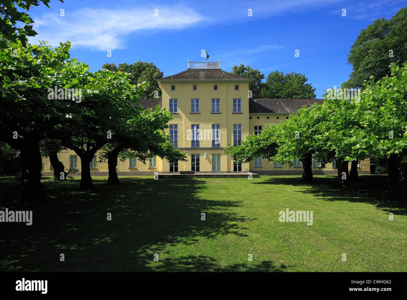 Schoenwasserpark Mit Haus Schoenwasser in Krefeld-Oppumer, Niederrhein, Nordrhein-Westfalen Stockbild