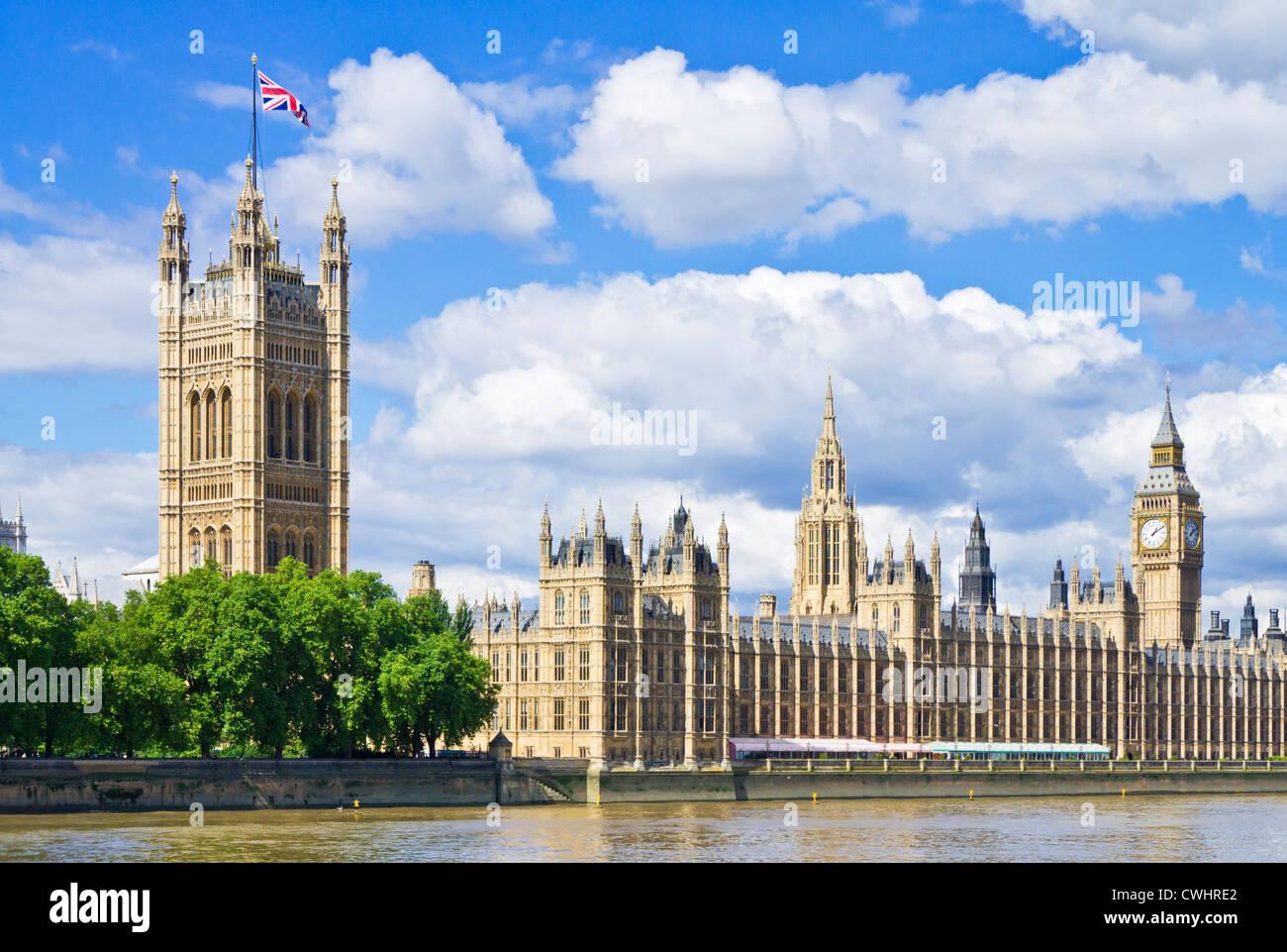 London Skyline London Houses of Parliament London Big Ben London City of london City London Stadtbild Union Flag Stockfoto
