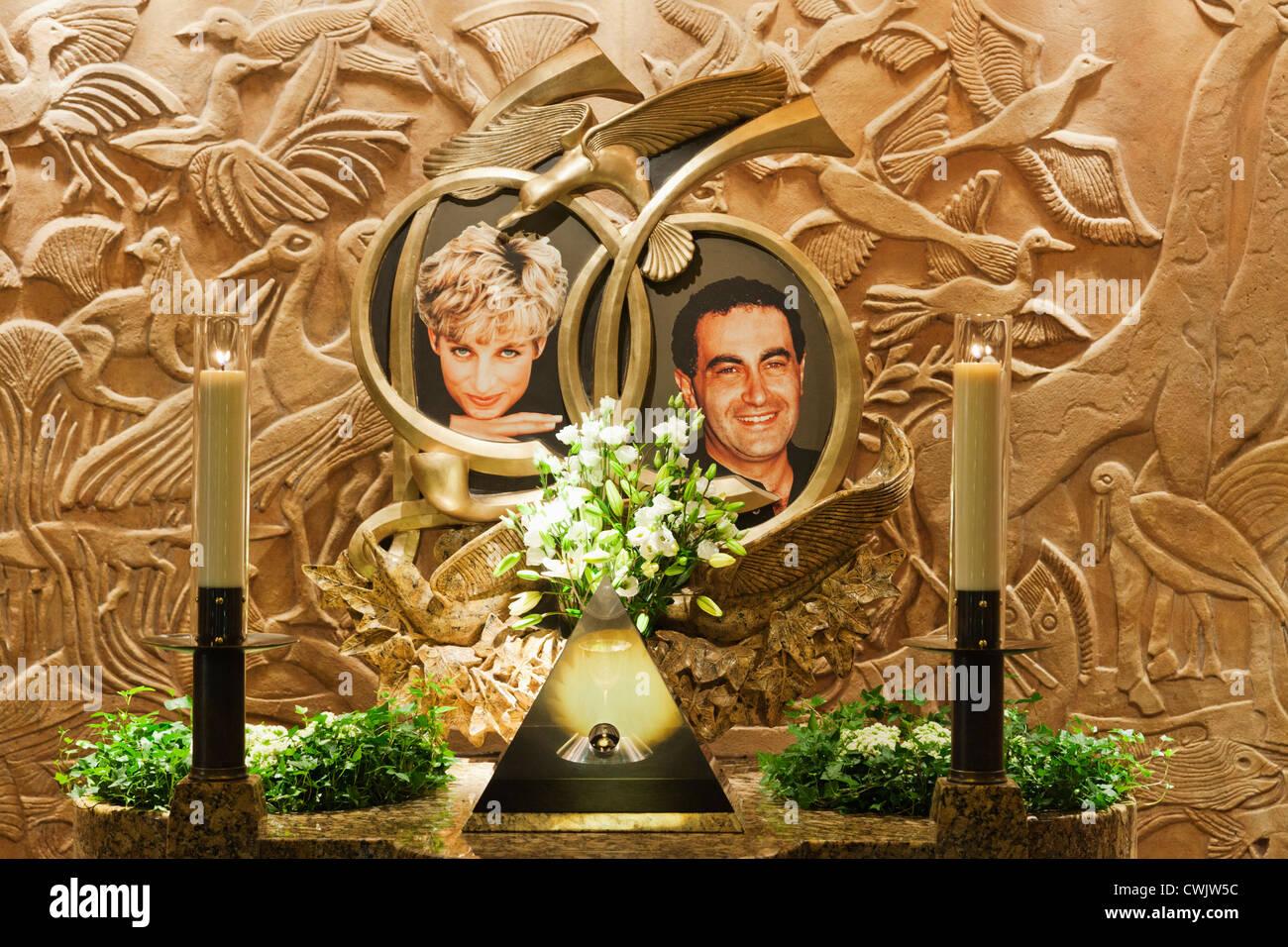 England, London, Knightsbridge, Harrods, Prinzessin Diana und Dodi Al Alara Memorial Fountain Stockbild