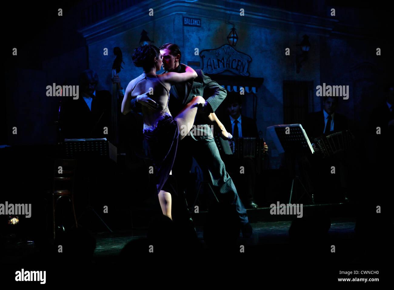 Tango-Show bei El Viejo Almacen, Buenos Aires, Argentinien. Stockbild