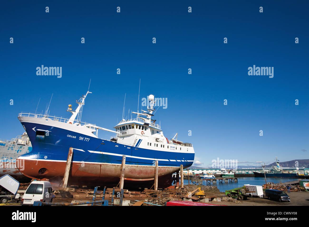 Island, Schiff in der Werft Stockbild
