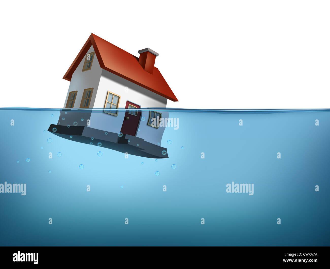 Haus und Immobilienkrise mit einem Haus im Wasser auf einem weißen Hintergrund zeigt das Immobilien-Gehäusekonzept Stockbild