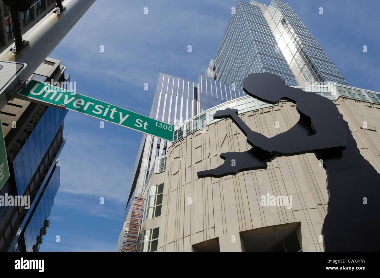 Der Hammer Mann Statue außerhalb SAM, das Seattle Art Museum, Seattle, USA. Stockbild