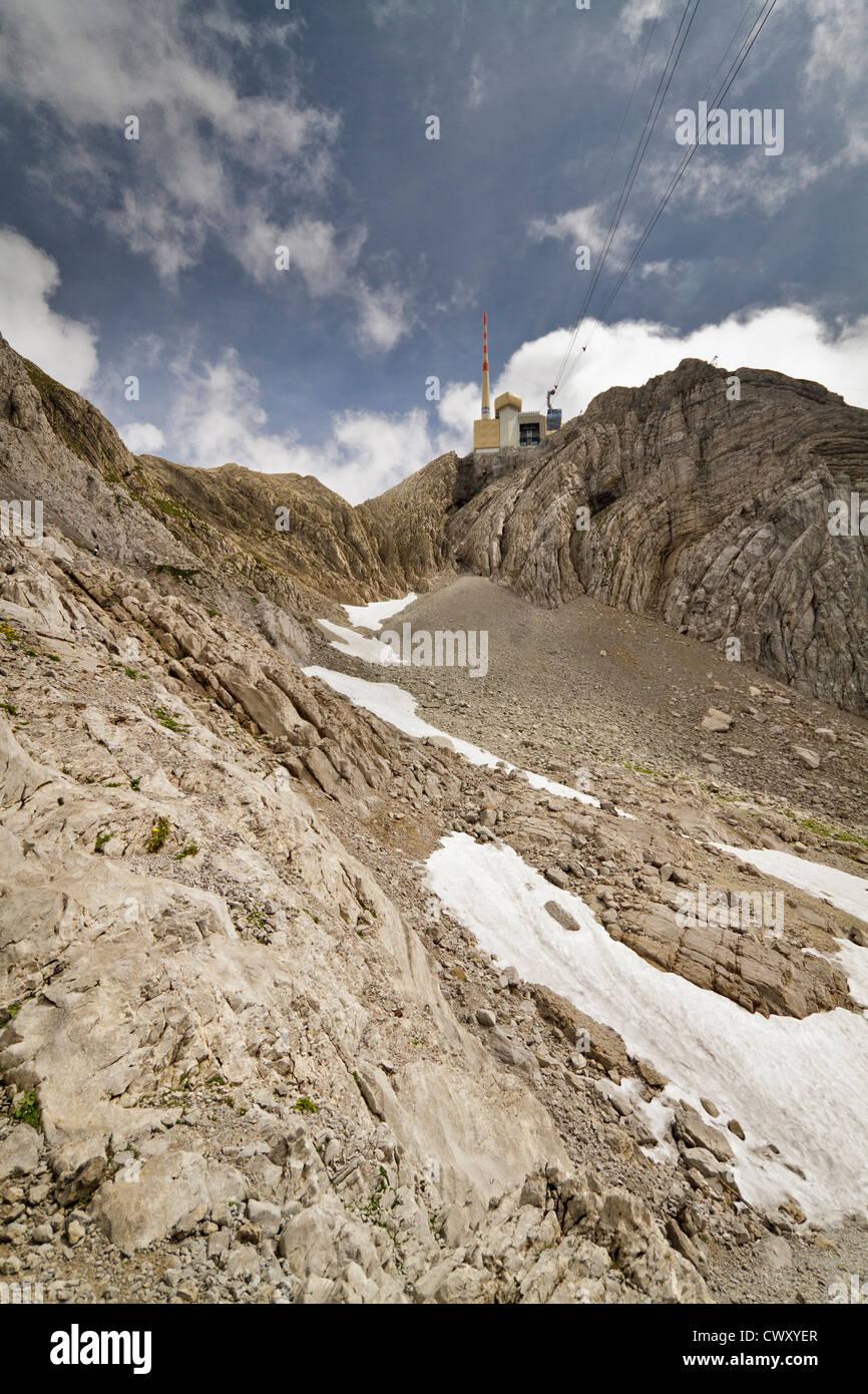 Foto Blick hinauf auf den Gipfel des Säntis in der Schweiz. Stockbild