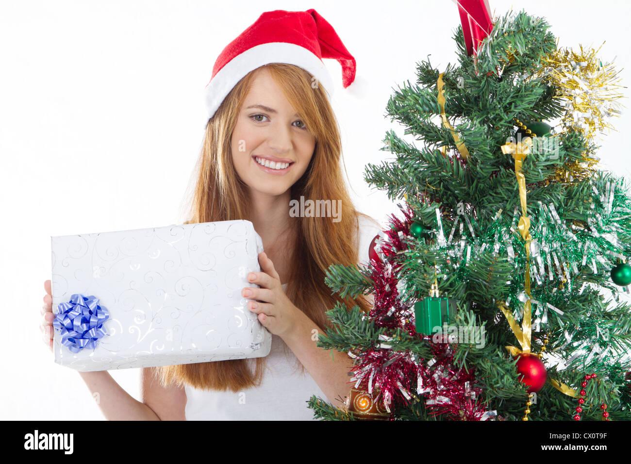 Teen Mädchen halten Weihnachtsgeschenk Stockfoto, Bild: 50420875 - Alamy
