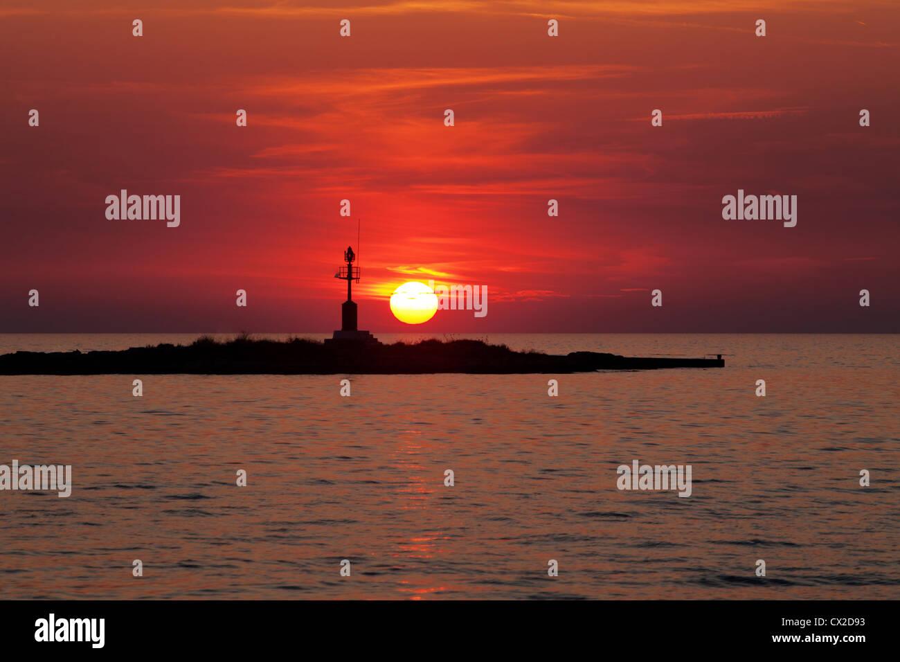 Europa, Kroatien, Porec - Sonnenuntergang, Segelschiff Segelboot bei Sonnenuntergang Schiff Schiffe Adria MeerEuropa Stockbild