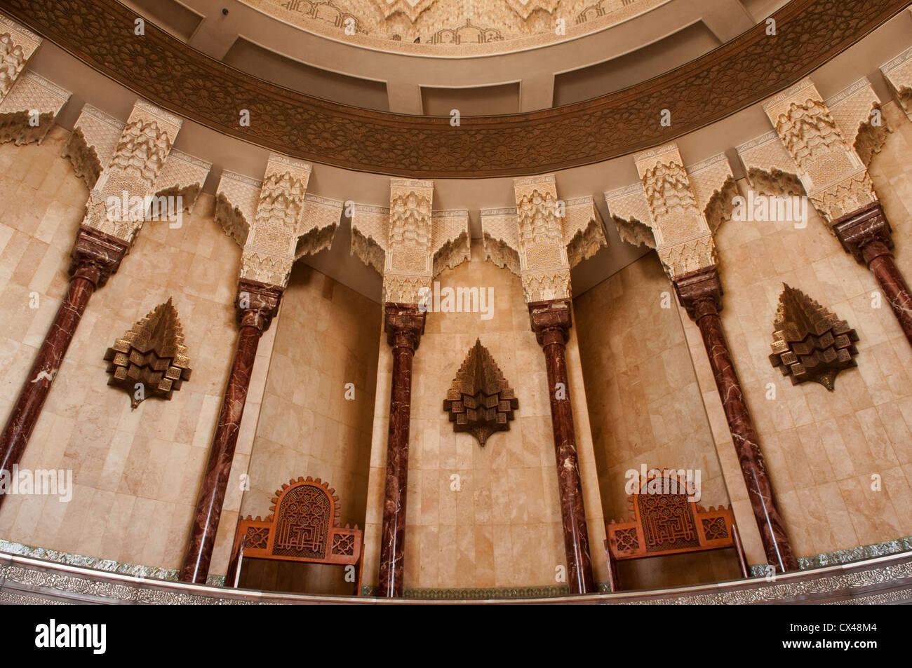 schönes Design und Detail auf erstaunliche Hassan II Moschee in ...