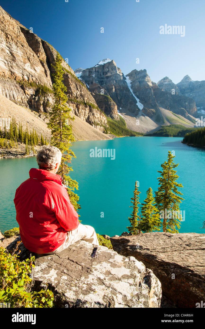 Moraine Lake in den kanadischen Rockies. Stockbild