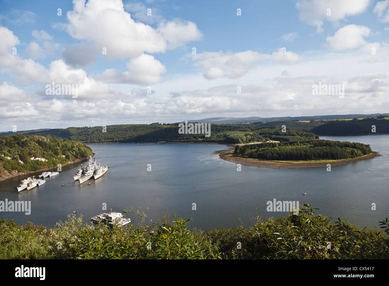 Friedhof der Schiffe auf dem Fluss Aulne nahe Landévennec, Finistère, Bretagne, Frankreich Stockbild