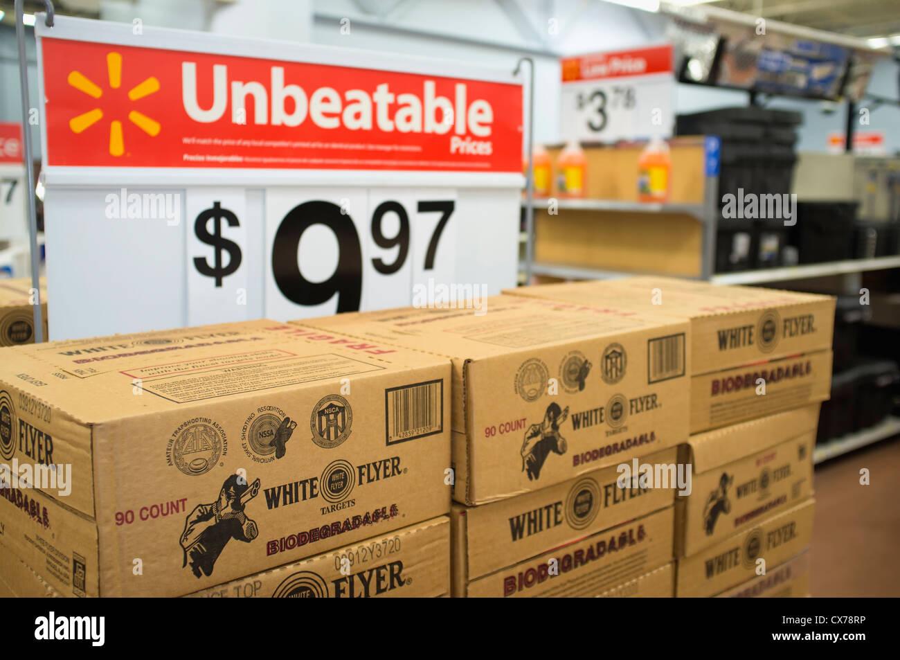 Dreharbeiten Ziele Aufsteller Im WalMart Super Center In Texas USA