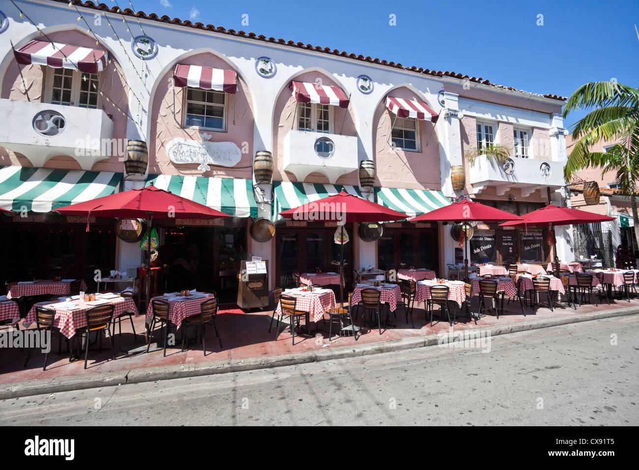 Restaurant Espanola Way Usa Stockfotos & Restaurant Espanola Way Usa ...