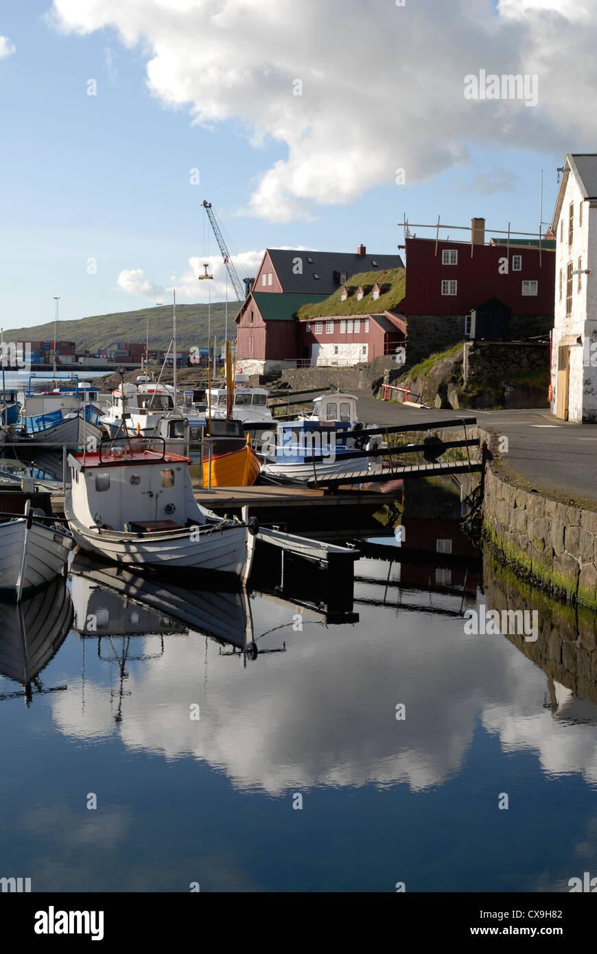 Hafen und die Halbinsel Tinganes Tórshavn, Färöer Inseln Stockfoto