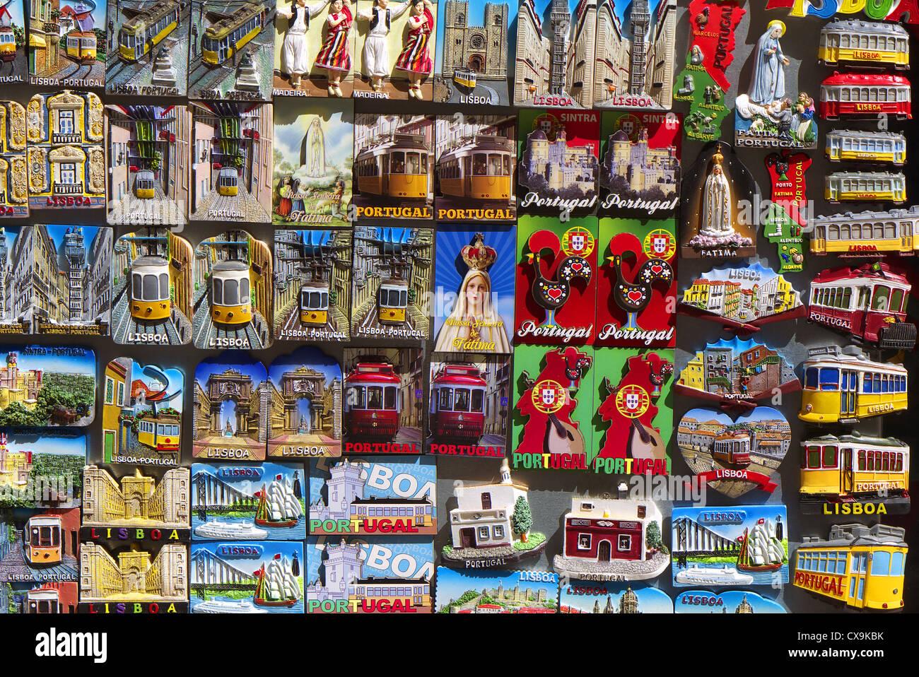 Souvenir-Kühlschrank-Magnete auf Verkauf in Lissabon, Portugal ...
