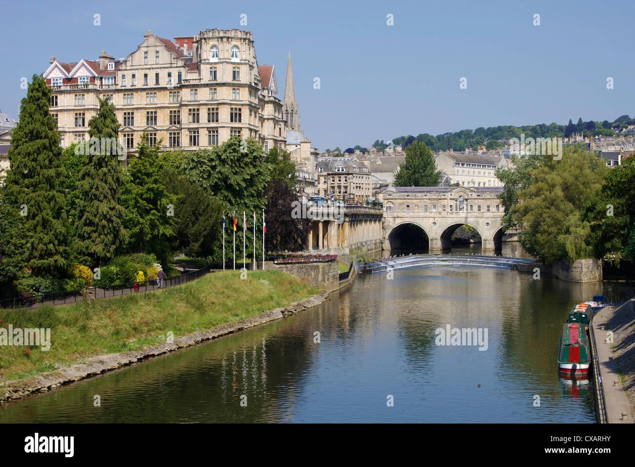 Pulteney Brücke und Fluss Avon, Bath, UNESCO World Heritage Site, Avon, England, Vereinigtes Königreich, Stockbild