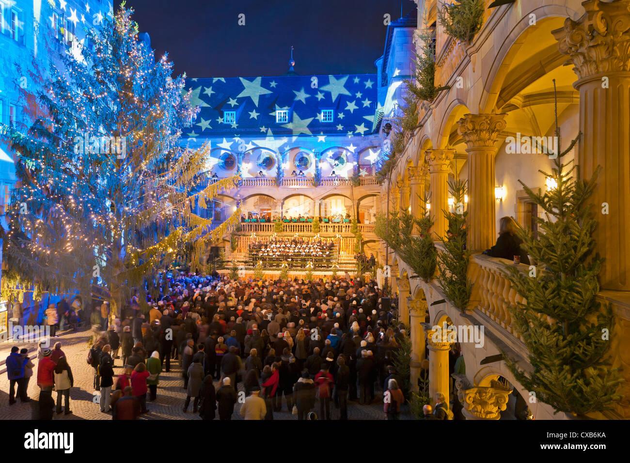 Eröffnung Weihnachtsmarkt Stuttgart 2019.Eröffnung Des Weihnachtsmarkt Konzert Im Innenhof Der Alten Burg