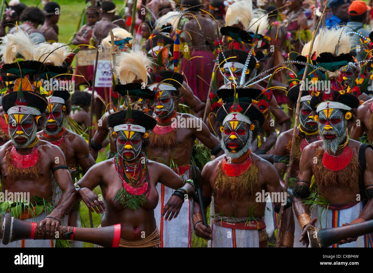 papua new guinea sing sing woman stockfotos papua new guinea sing sing woman bilder alamy. Black Bedroom Furniture Sets. Home Design Ideas