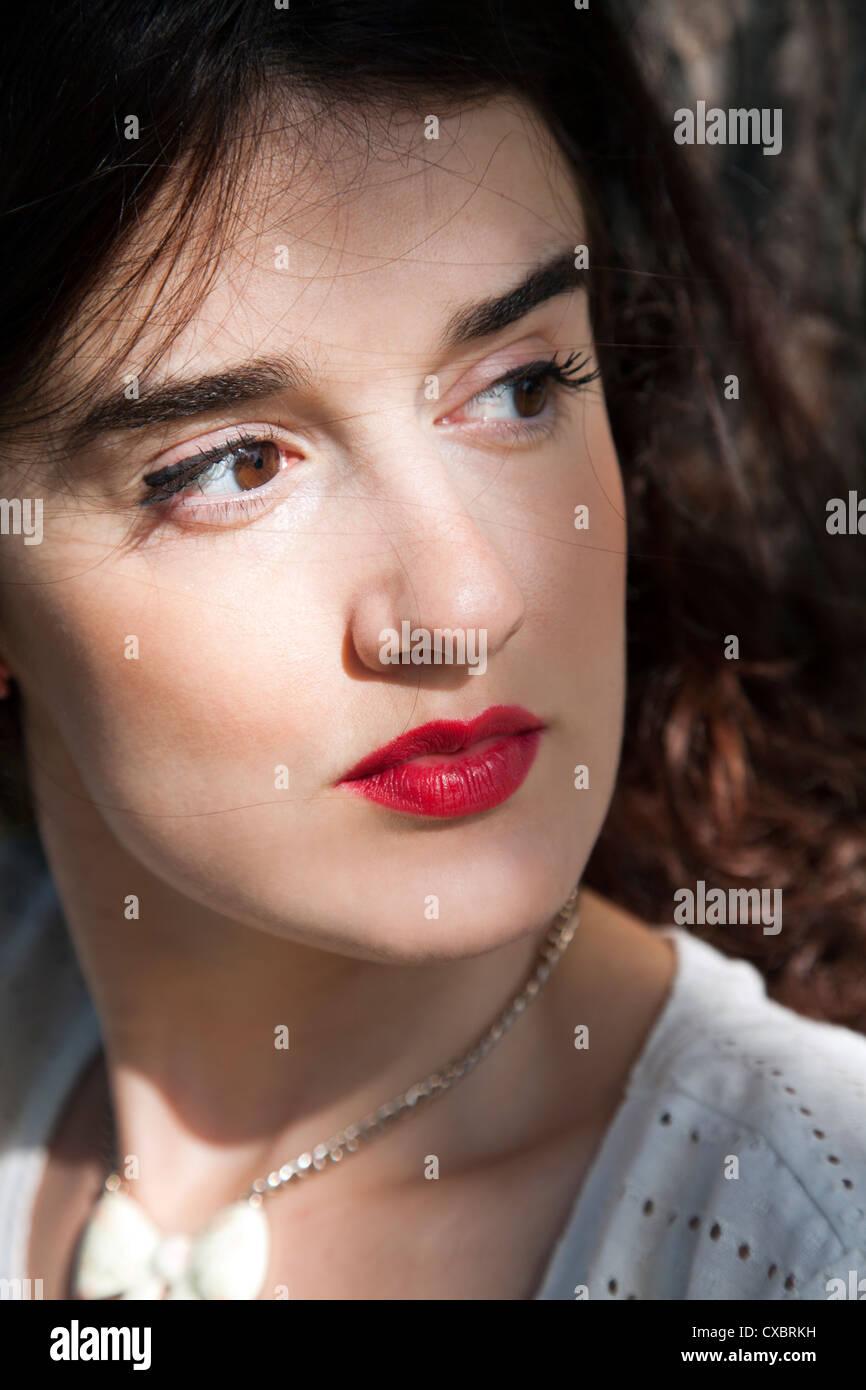 Behaarte lateinische Frauen