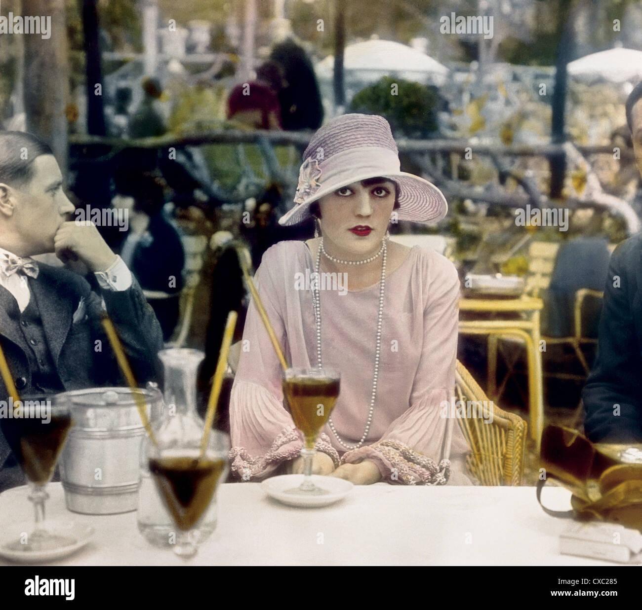 Pola Negri, Cafe De La Paix, Paris, Frankreich, 1927 Stockbild