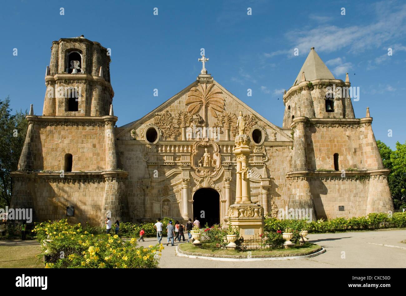Miagao Kirche erbaut 1797, kürzlich restauriert, UNESCO-Weltkulturerbe, Iloilo, Panay, Philippinen, Südostasien, Stockbild