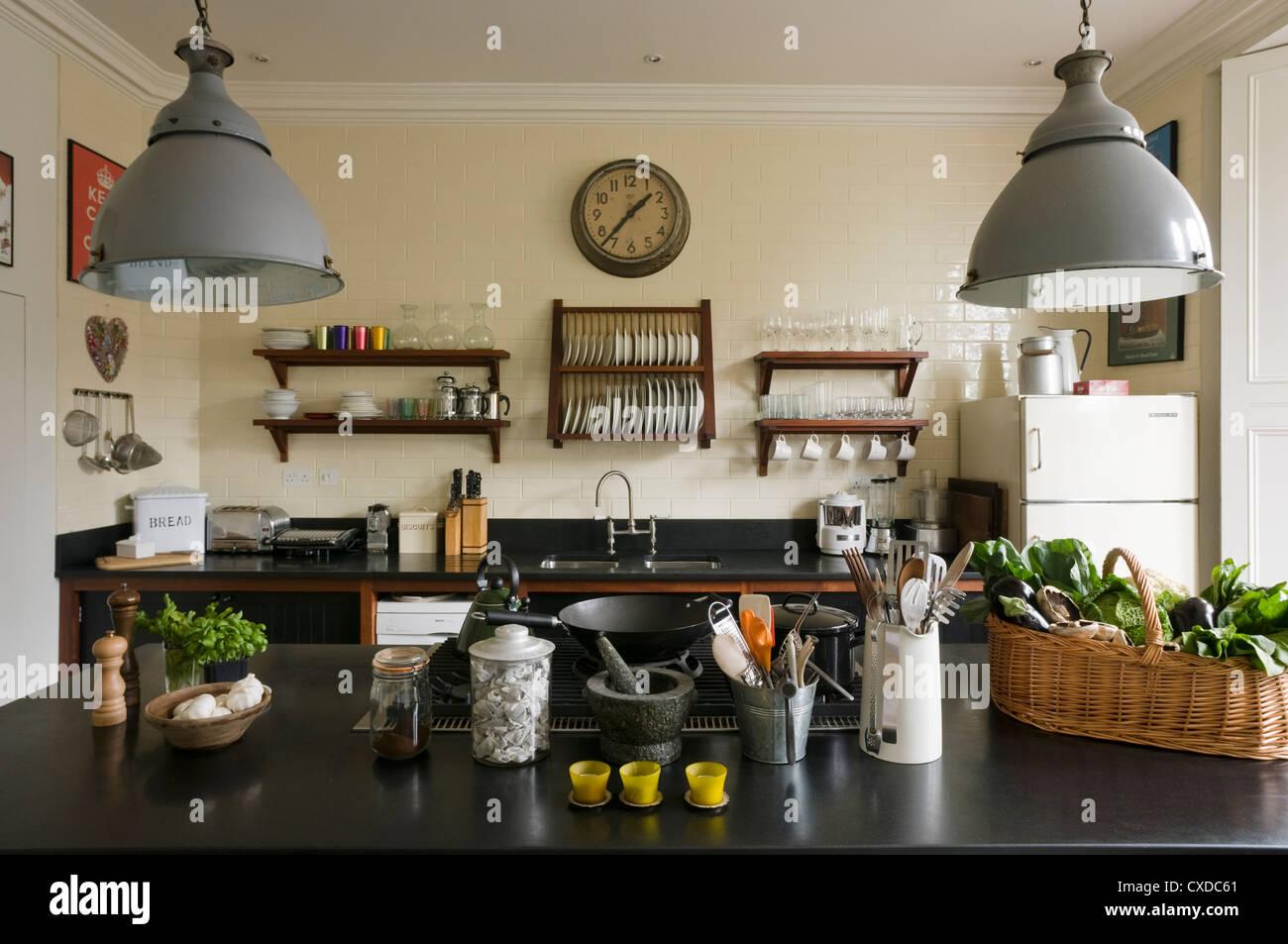 Retro Kitchen Stockfotos & Retro Kitchen Bilder - Alamy