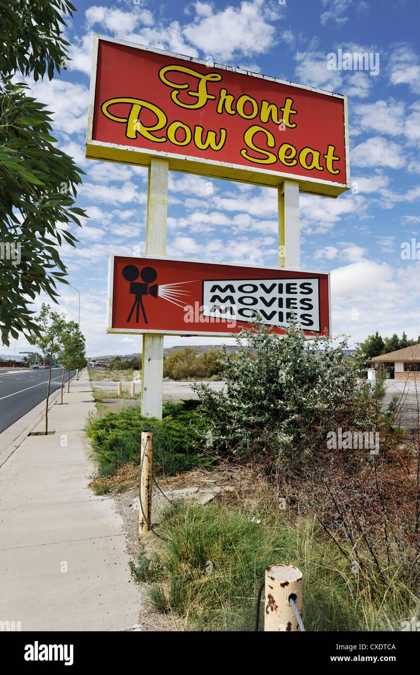 Front Row Seat Kinofilme/Zeichen, Route 66 USA Stockbild