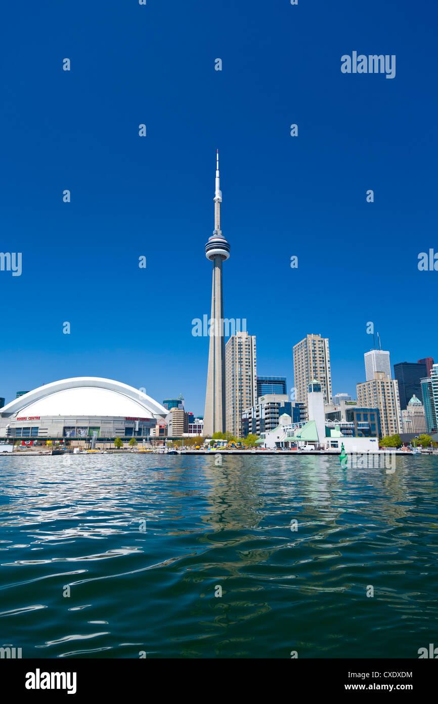 Skyline der Stadt zeigt der CN Tower in Toronto, Ontario, Kanada, Nordamerika Stockbild