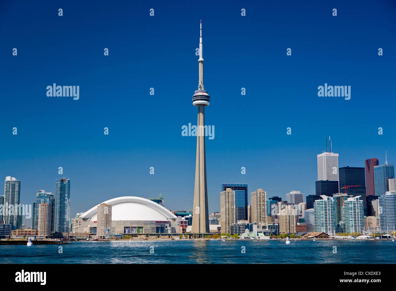 Skyline der Stadt zeigt der CN Tower in Toronto, Ontario, Kanada, Nordamerika Stockfoto