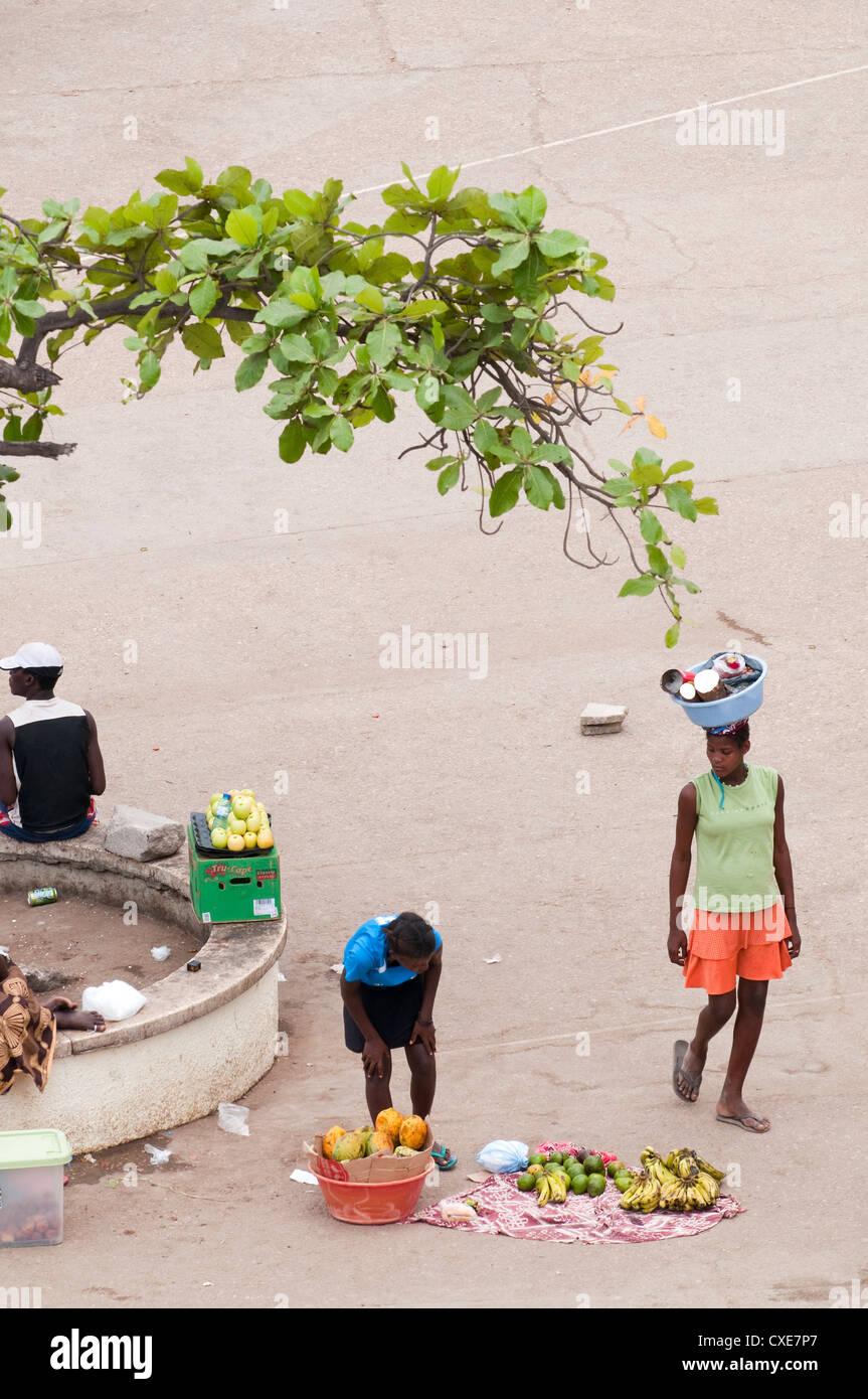 Straßenszenen in Luanda, Angola, Südafrika, Afrika Stockbild