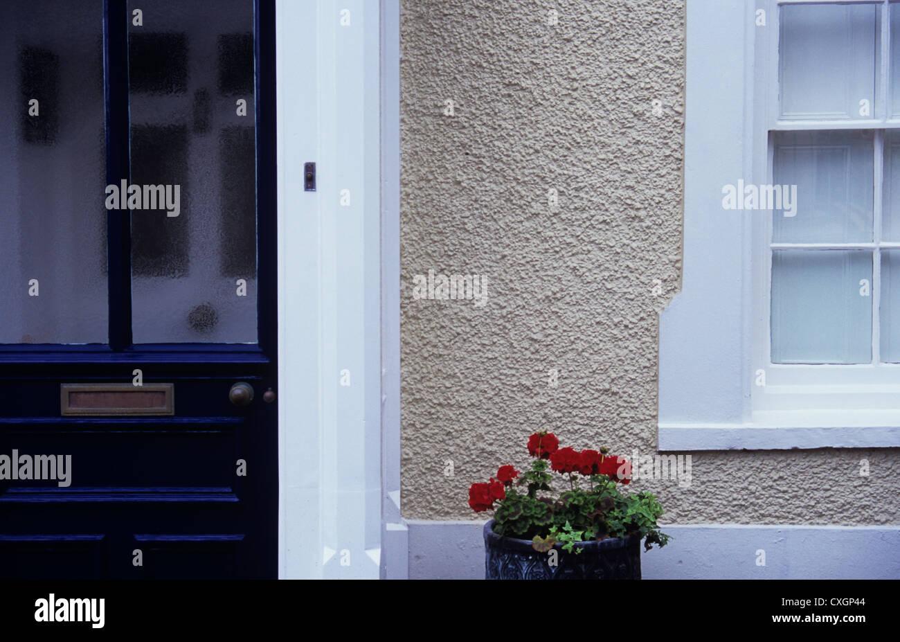 Gut Detail des Hauses mit schwarz bemalt, Außentür weiße Innentür  GX01