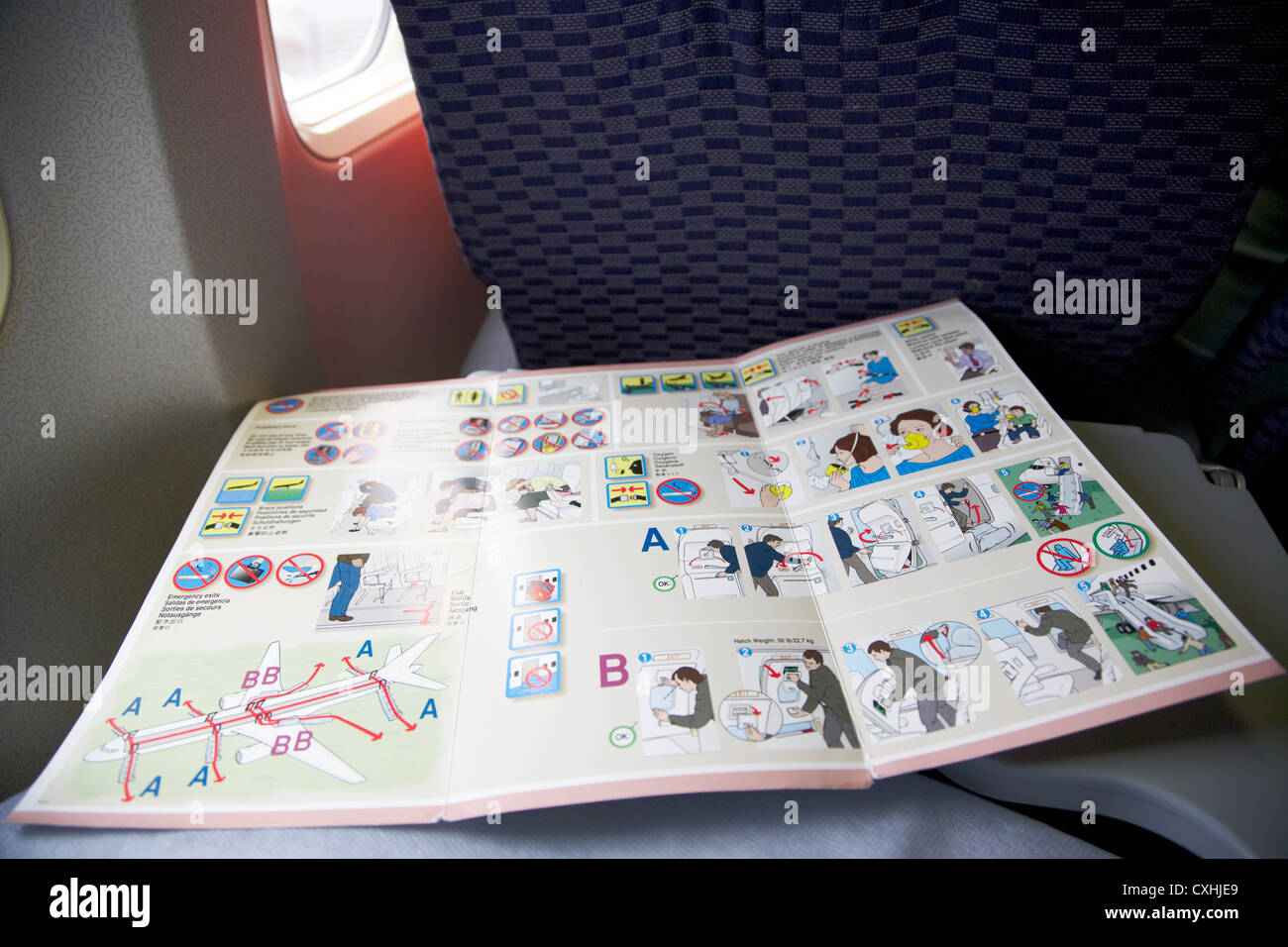 Flight Safety-Card an Bord einer Boeing 757 Flugzeug Stockbild