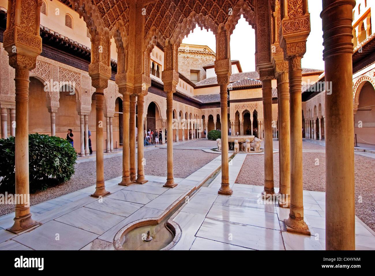 Patio de los leones alhambra granada andalusien spanien - Patios de granada ...