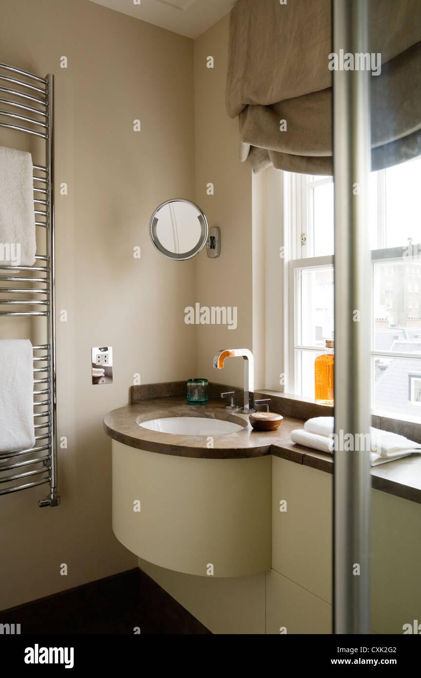 Farbe Fenstervorhänge Innen Bad Handtuch Fenster Behandlung Handtuch Rack  Marmor Beige Braun Rasur Spiegel Wasserhahn Montage Stecker