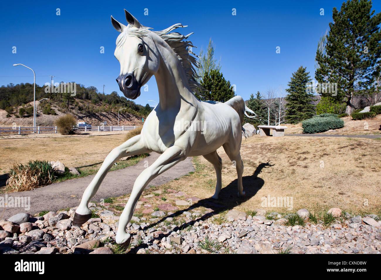 Hubbard Museum, die im freien Pferd Statuen anzeigen, New Mexico Stockbild