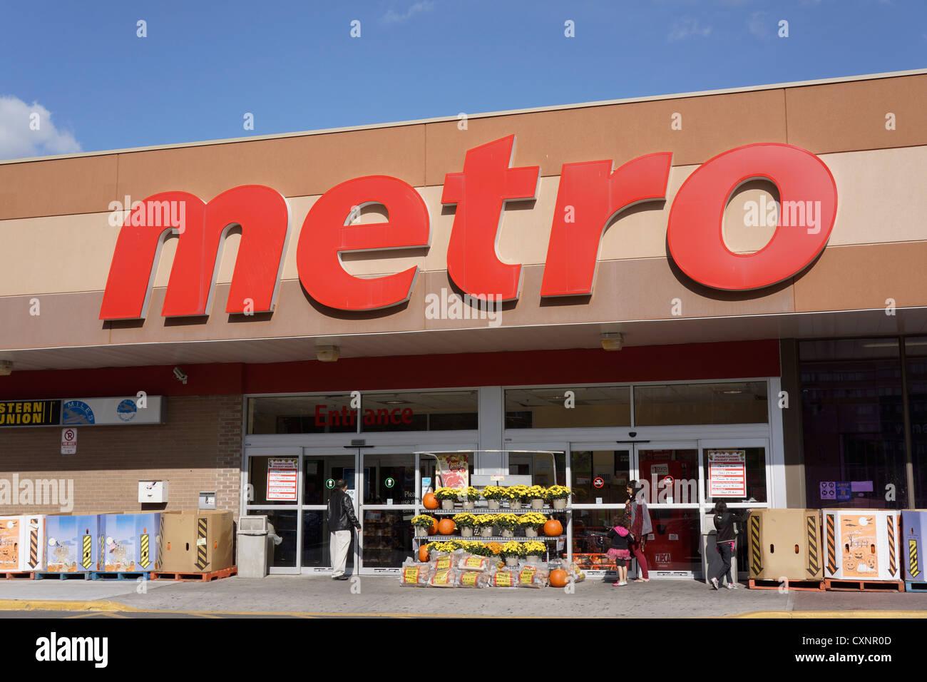 Metro Supermarkt, Lebensmittelgeschäft Stockbild
