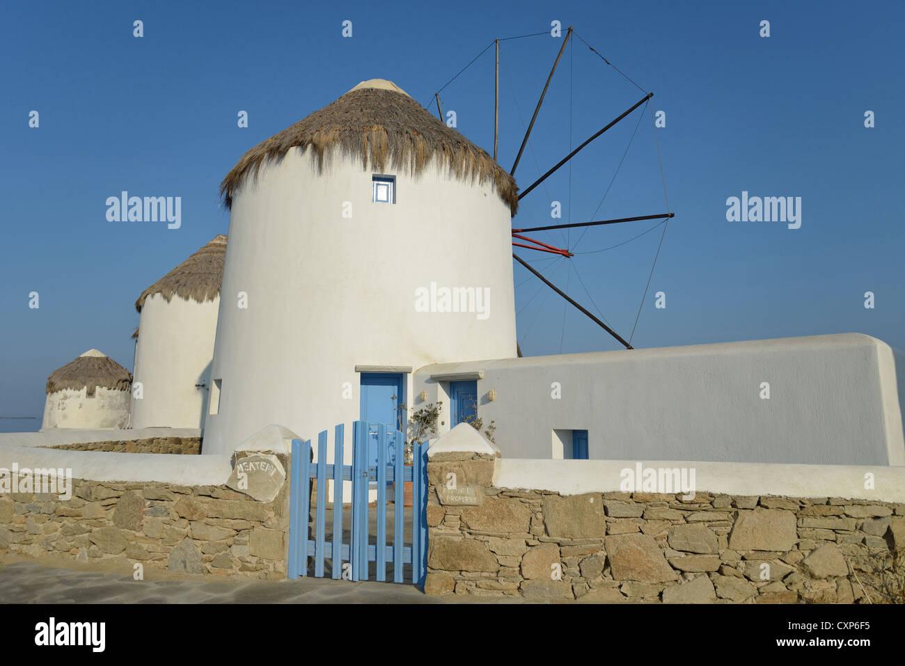 16. Jahrhundert Windmühlen, Chora, Mykonos, Cyclades, Süd Ägäis, Griechenland Stockfoto